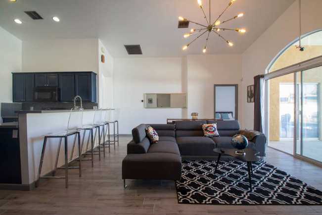 10 Airbnbs In Coachella Valley To Book If You're Going To Indio's Hottest Festival