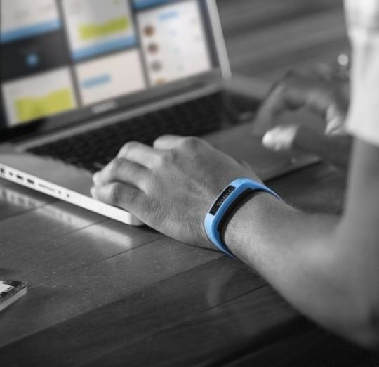 11 Cheap Fitness Trackers Under $100