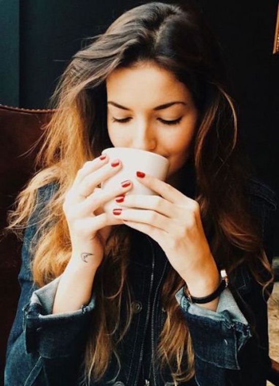 5 Benefits Of Replacing Your Coffee With Green Tea