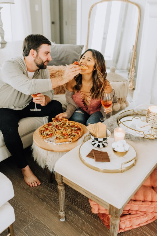 10 Inexpensive First Date Ideas For You And Your SO