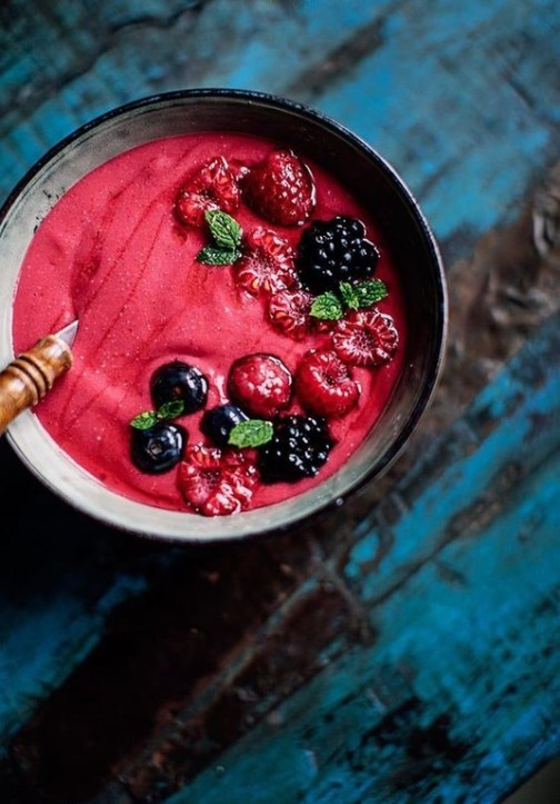 5 Smoothie Bowl Ideas That Will Brighten Your Summer Mornings
