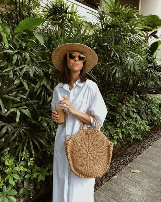 how to style woven bags