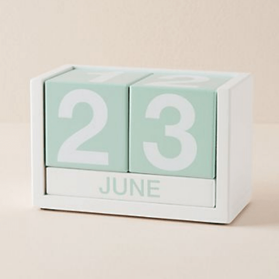 10 Desk Accessories That Will Add Some Personality To Your Dorm Room