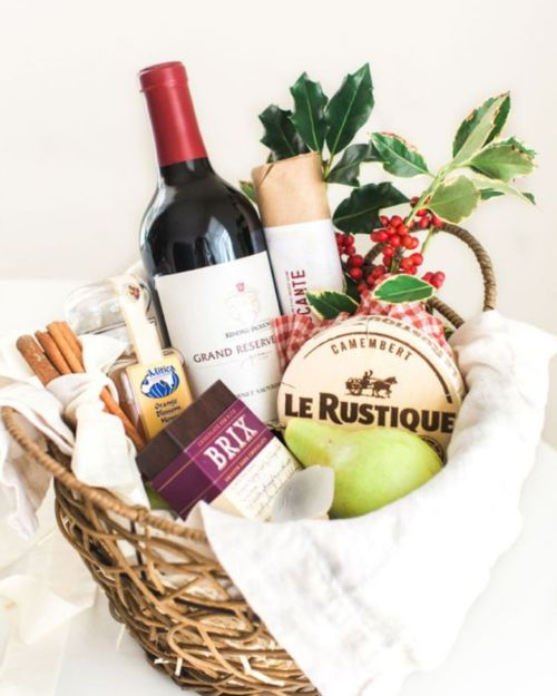 15 Gift Ideas For Your Foodie Friend