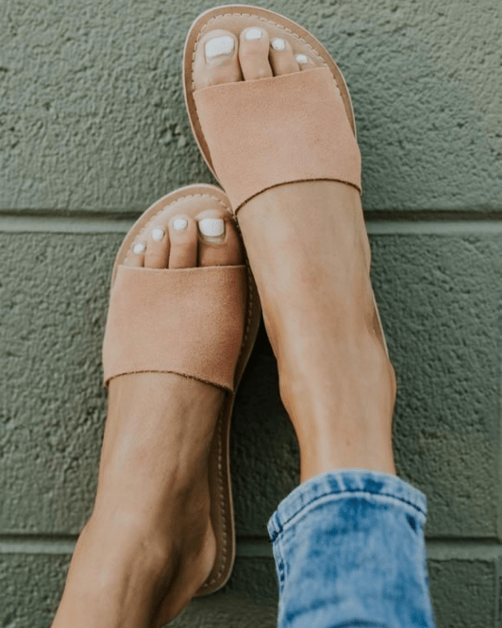 12 Fashionable And Super Comfy Sandals You Have To Buy This Summer
