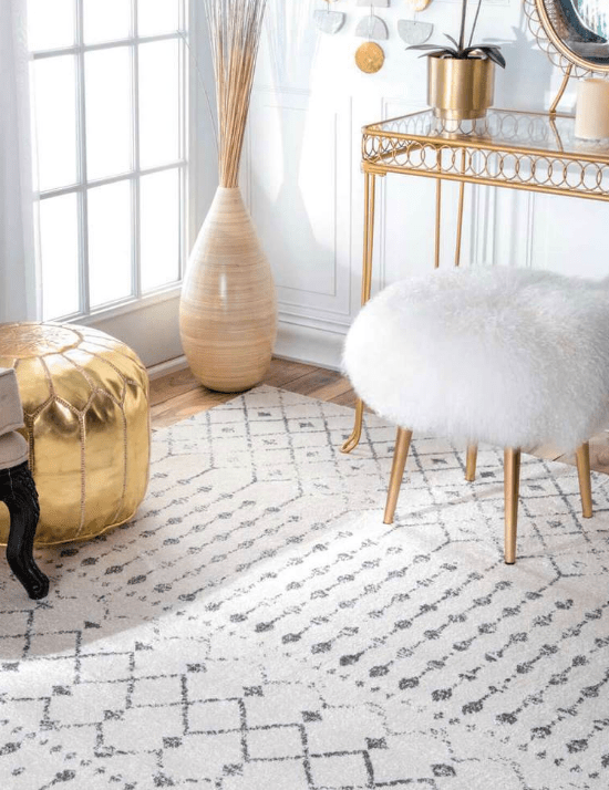 10 Adorable Dorm Rugs You'll Want In Your Room