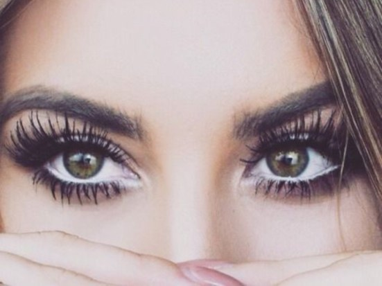 Top Eyeliner Shades Everyone Must Try