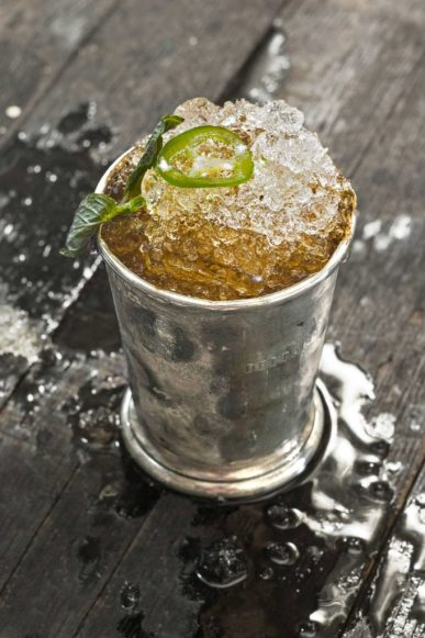 Top 8 Summertime Cocktail Recipes To Try
