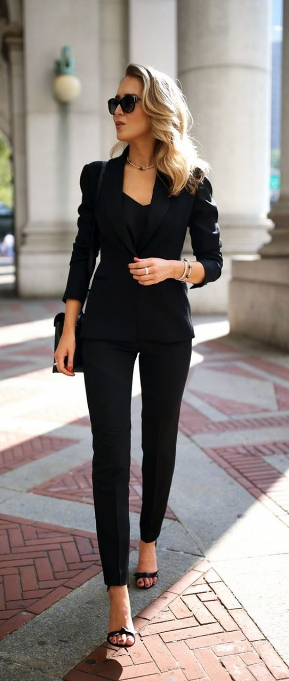 15 Outfits Ideas For Your Next Virtual Interview