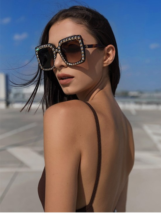 *10 Sunglasses Styles To Try This Spring