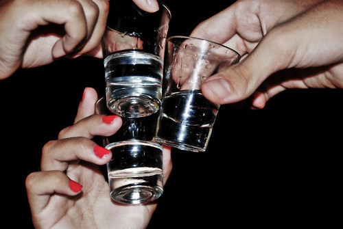 5 Drinking Games To Play During The Next Pre-Drinks