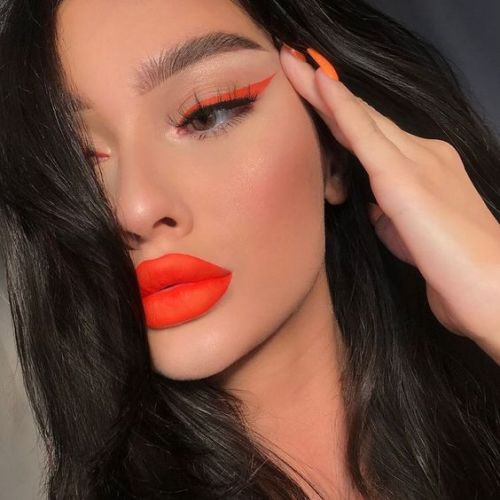 8 Poppin' Bright Makeup Looks For Summer