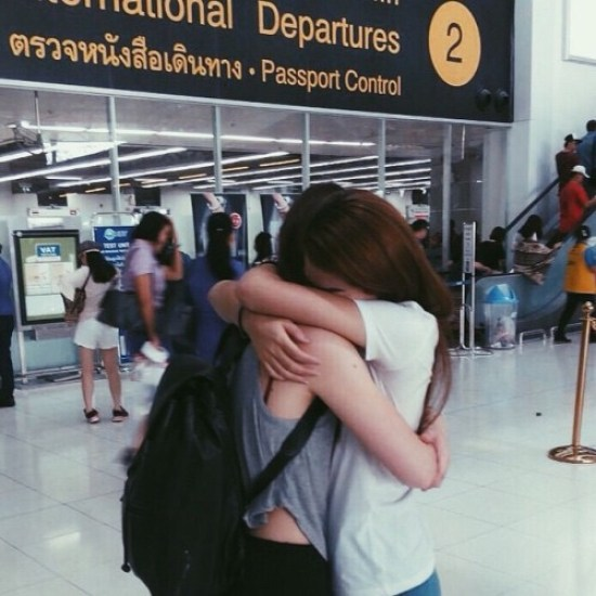 10 Things Only People With Long-Distance Friendships Will Understand