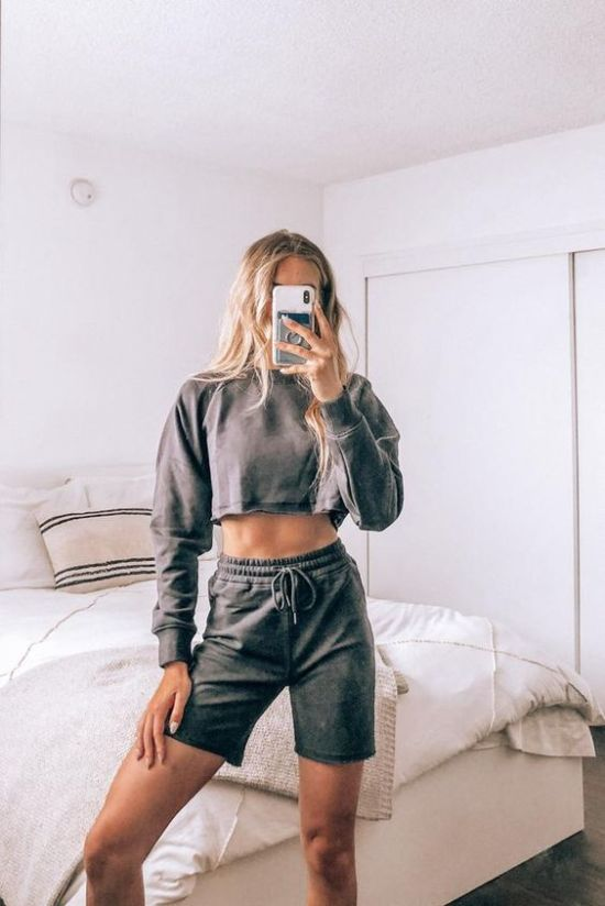 5 Tip for Thrifting Your Way to a Stylish Wardrobe