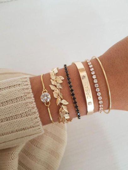 15 Pieces Of Jewelry That Will Look Great With Your Summer Sun Dresses