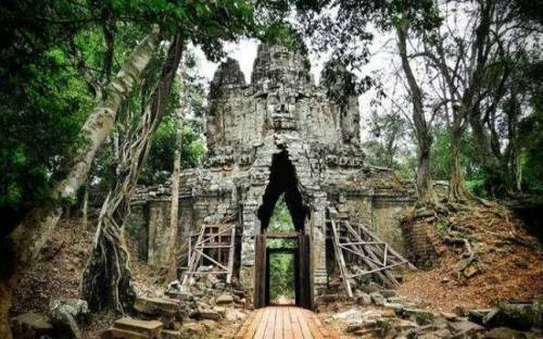 10 Places To Tour Before You Die