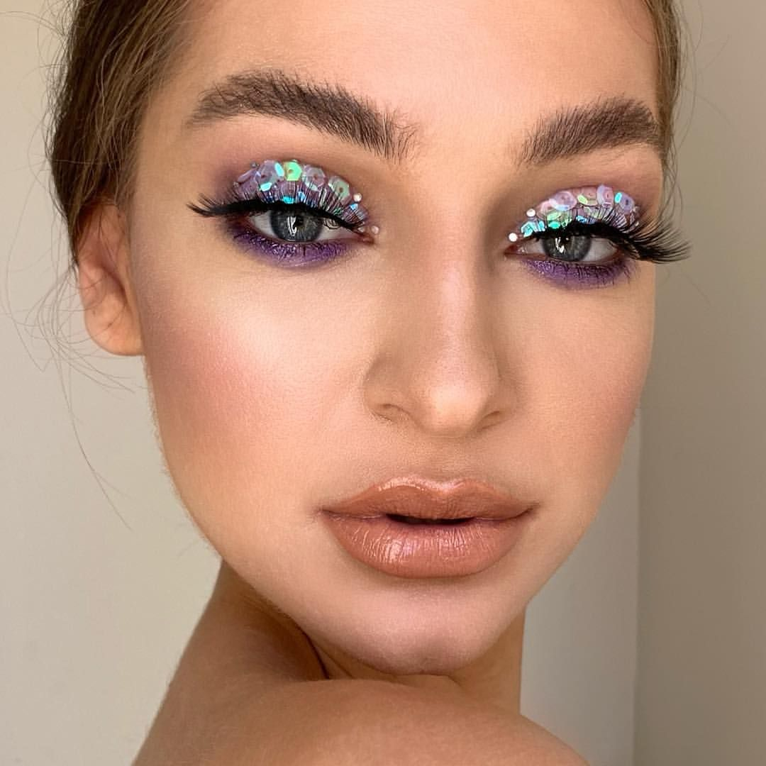 Glitter Makeups For Party Nights