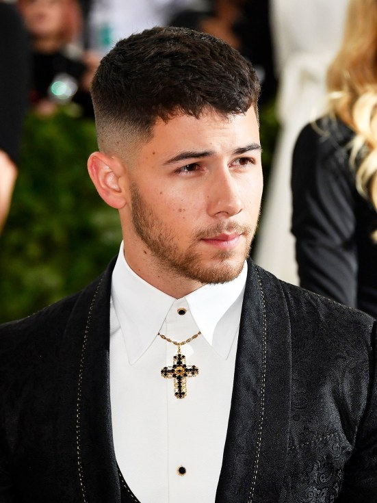 10 Summer Hairstyles For Men To Try