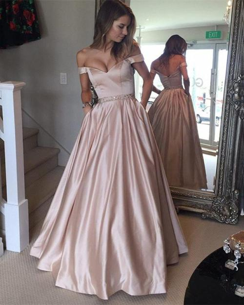 *25 Stunning Simple Prom Dresses That Will Never Go Out Of Style