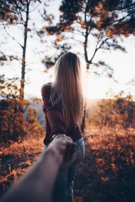 6 Date Ideas Perfect For Fall