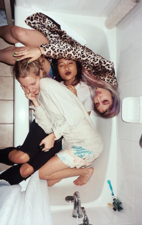 10 Things You Have To Have In Your Purse For A Night Out