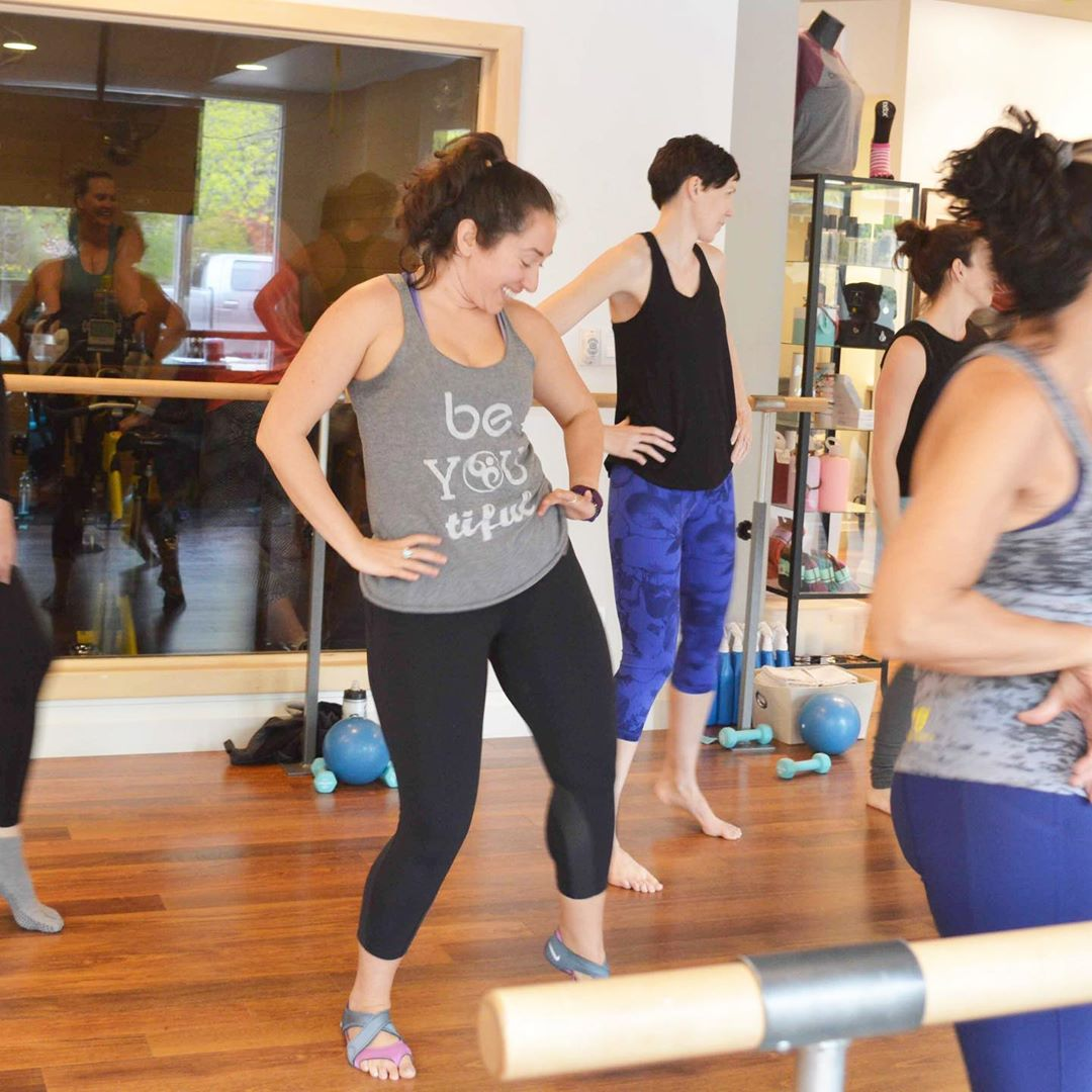 fitness tips: a woman in a pilates class