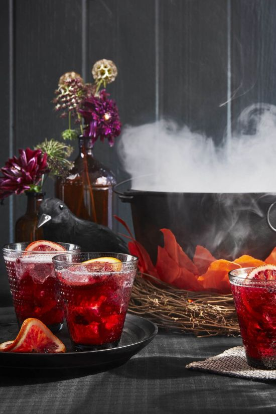 10 Fall Cocktails Perfect For A Lit Halloween Party