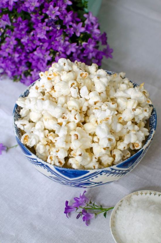 10 Healthy Snacks To Keep Around The House