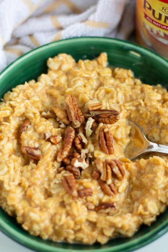 10 Oatmeal Recipes To Keep You Warm This Fall