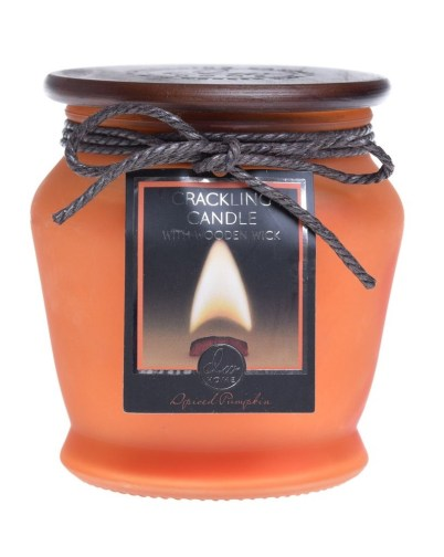 10 Best Holiday Candles To Ring In The Fall Season