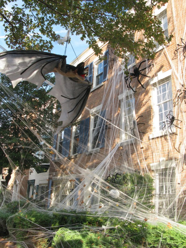 *10 Ideas On How To Transform Your House Into A Haunted House