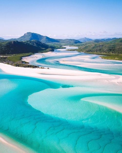 10 Amazing Beaches Around The World That You Won't Believe Are Real