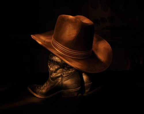 brown-hat-darkness-clothing-black-light-painting-1293850-pxhere.com