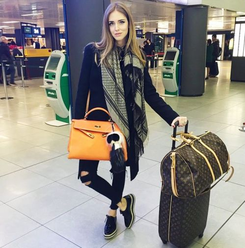 f8b3b01d5b4b54ca7e0b2a42fce50f27--black-louis-vuitton-bag-traveling-tips