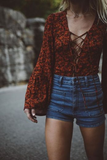 Here are 15 hippie outfits you NEED to copy