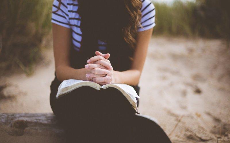 Overcoming the Spirit of Gossip with Prayer