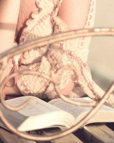 Best Study Bibles for Young Adults