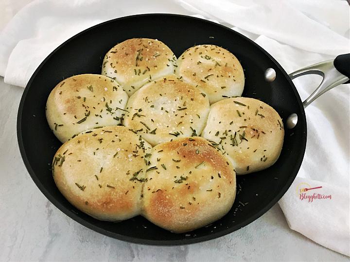 rosemary dinner rolls baked in skillet