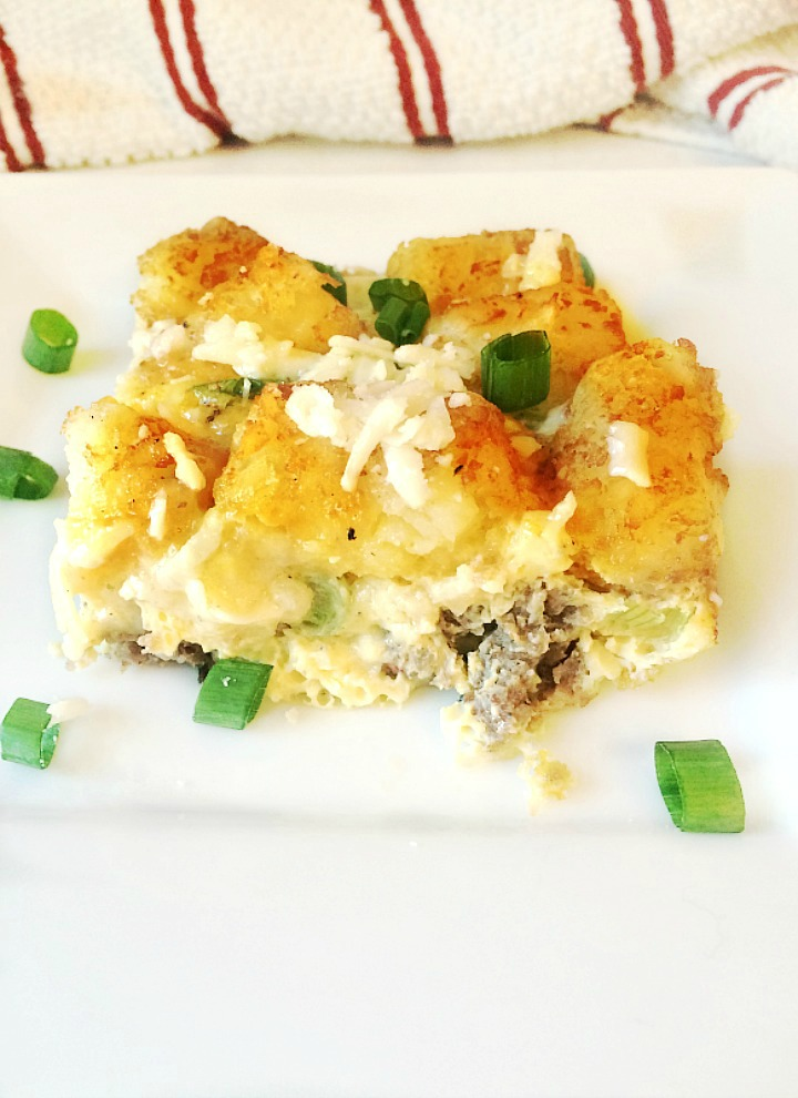 tator tot breakfast casserole slice
