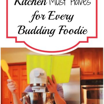 Any self-proclaimed foodie needs certain things in their kitchen. The right gadgets mean you can make the dishes that you want to make more quickly and more easily. So it really is a no-brainer to have a well-stocked kitchen in order to make the dishes of your dreams. Here are some essentials that any food lover or budding chef needs to have in the house.