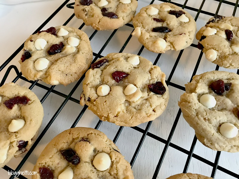 This year, for the Food Blogger Love Cookie Exchange, I choose to bake a soft and chewy cranberry white chocolate cookie. They remind me of the ones at a local bakery here and I just love them. I think the dried cranberries make the cookies look a bit festive for the season.