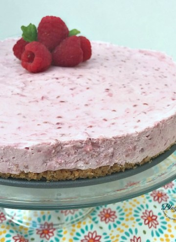 Easy Raspberry Cream Cheese Dessert - feature