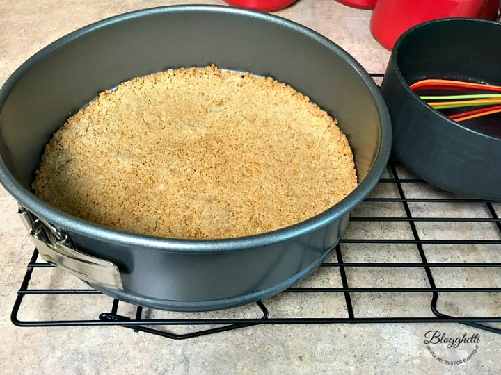 Graham cracker crust cooling