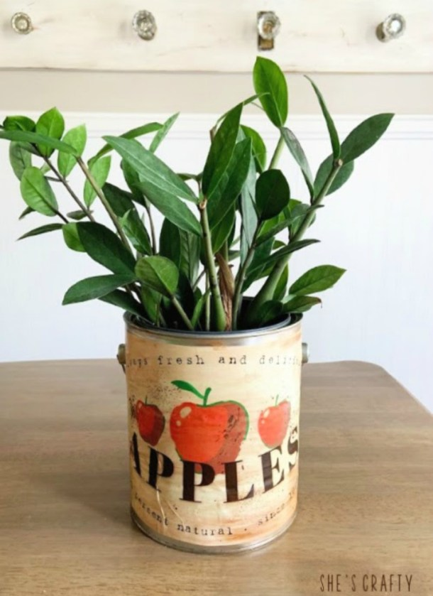 how to use a can for a planter
