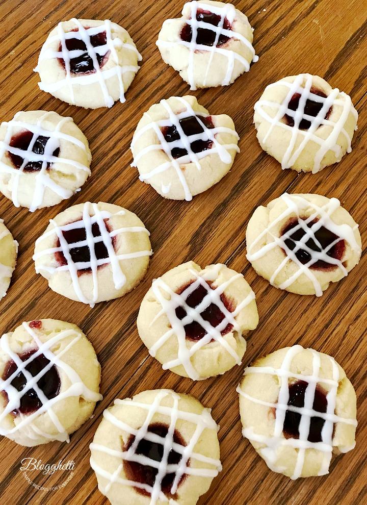 Delicious raspberry shortbread cookies