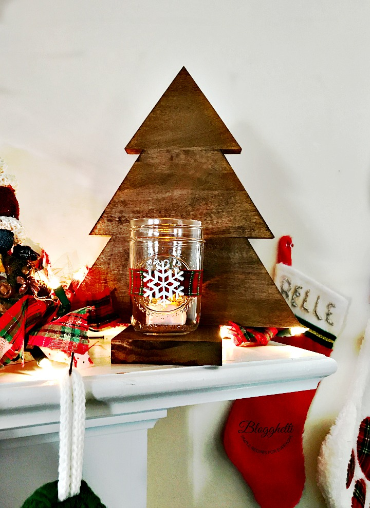 wooden Christmas tree candle holder