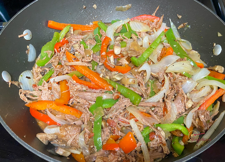 meat and vegetable filling for sandwiches