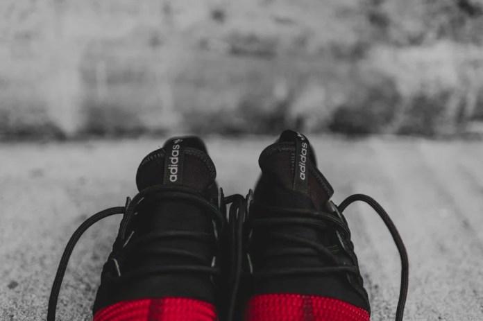 Giày adidas Tubular Radial