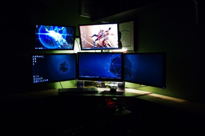 Five monitor stand