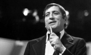tony mic 1960s - Playlist of the Week: Tony Bennett at Carnegie Hall